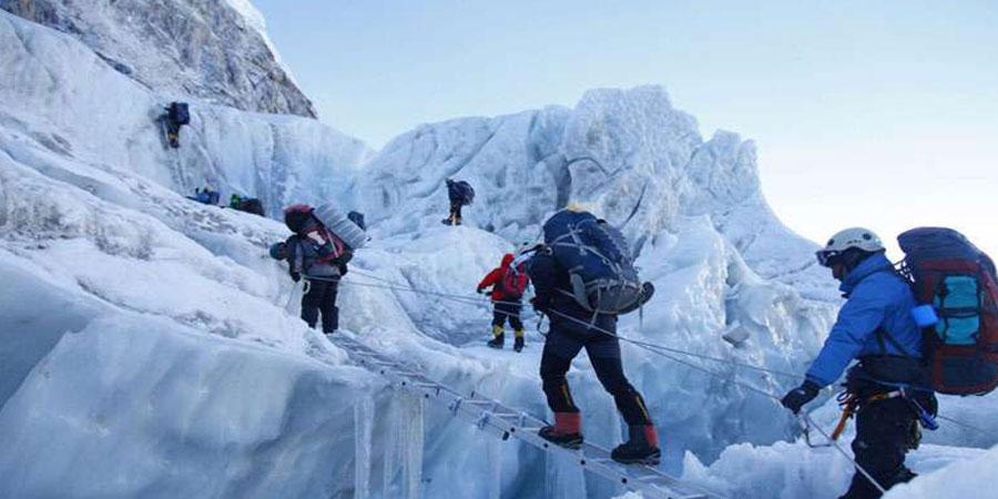 Everest Climbing Tours