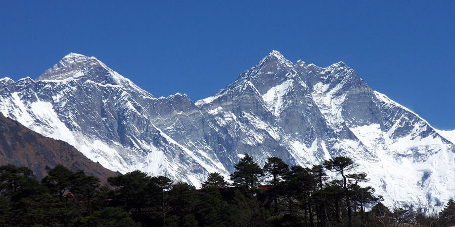 Everest Himalaya view family trekking